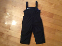 Black Old Navy snowpants size 18-24 months