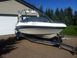 Four winns 2000 boat for sale with extras!