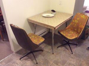 Retro kitchen table and two chairs