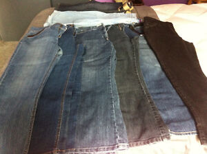 BRAND NAME BLUE JEANS - SIZE 14