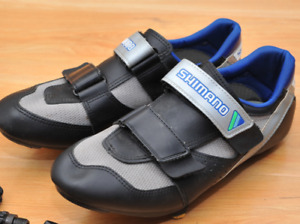 New Shimano Clip-in Cycling Shoes in original box Size 45