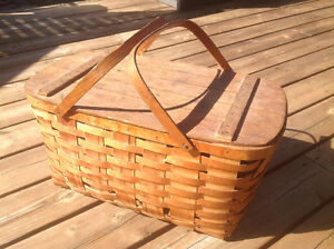 LARGE VINTAGE WOVEN WOOD PICNIC BASKET