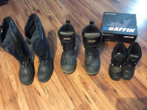 Baffin boots hardly worn size 10,11,youth 13 reasonable offers