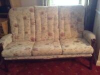 2x sofas 1 chair