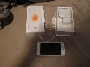 Unlocked Gold iPhone SE 16GB Immaculate