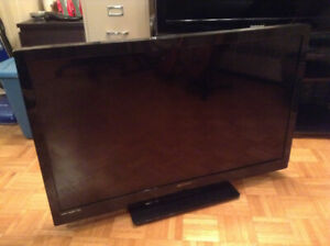 "Emerson 39"" flat screen tv with remote."