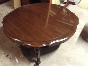 Deilcraft Quality Round Coffee Table & End Tables – Estate Sale