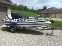 BASS FISHING POWER BOAT, 60 HP OUTBOARD AND TRAILER FOR SALE.