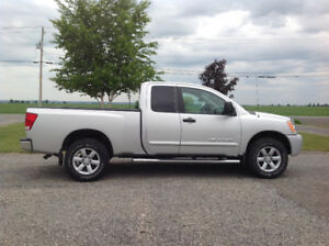 Pick up Nissan Titan king cab 2012 , 44,500 km