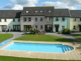 Twin Bedroom - Stunning Beach House Share - Llansteffan