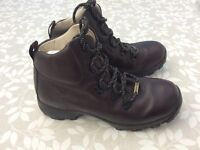 Walking boots size 4. READVERTISED
