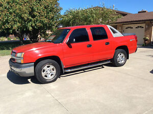 2004 Chevrolet Avalanche Pickup Truck