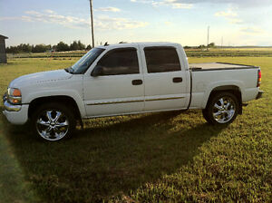 "22"" 6 BOLT GMC/CHEVY TIRES AND RIMS"