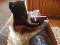 Genuine Black Leather Ugg Lynnea size 37 U.K. 4.5