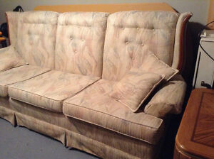 Couch and chair set - antique Kitchener / Waterloo Kitchener Area image 7