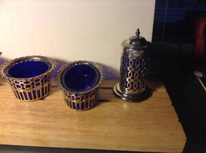 4 Pc Small Containers