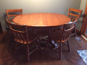 Solid Maple Dining Set w/Server