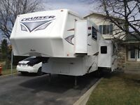 Fifth wheel cruiser 28 RL