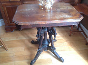 Charming antique table for sale $50.00