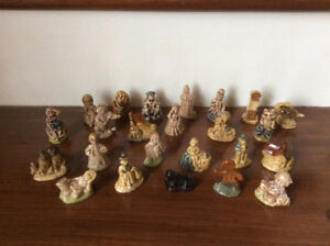 Vintage Porcelaine Wade Red Rose Nursery Rhyme Whimsy Figurines