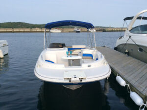 2014 Glastron Deck boat