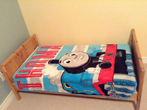 Wooden toddler bed - Welland pick up