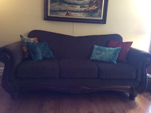 Mint condition Sofa and Loveseat for Sale London Ontario image 3