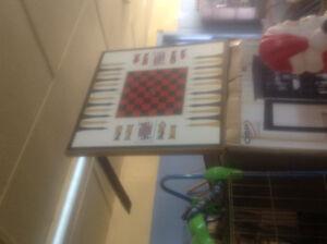 Table de jeu d'échec et autres.