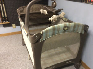 Playpen.  Graco Pack and Play
