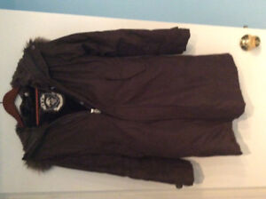 """NEW"" ARITZIA LUXURY WOMANS WINTER PARKA"