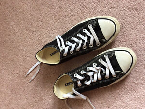 Converse All Star size 6.5 women's or 4.5 men's