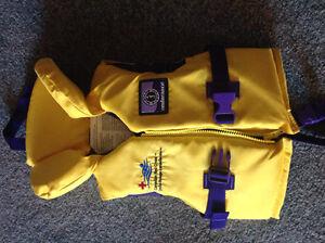 New...life vest ..20-30lbs