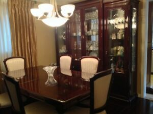 Gorgeous Solid Cherrywood Dining Room Set!