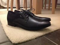 Black smart shoes size 9