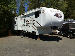 REDUCED - Durango 1500 5th trailer 28.5 Ft.