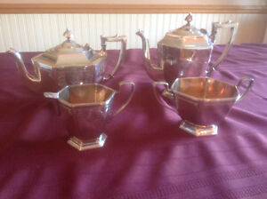 HOMES AND EDWARDS SILVERPLATE TEA SET West Island Greater Montréal image 1
