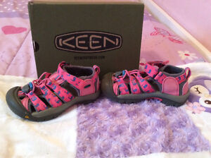 Pink WHALE PRINT Keen shoes size 11