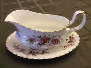 Royal Albert China Lavendar Rose Gravy Boat
