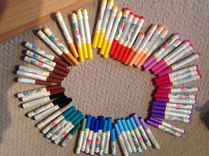 Colour Wonder markers