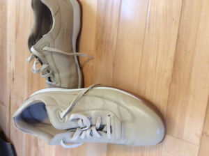 Ladies Rockport leather casual shoes size Eu 40. Can 9-91/2