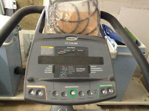 Precor EFX5.23 Elliptical Trainer