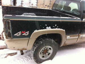 "6'5"" box off 2002 Chevrolet truck Strathcona County Edmonton Area image 4"