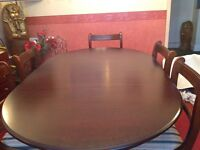 Dark Mahogany Extending Dining Table + 2 Carvers and 4 Dining Chairs
