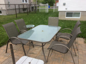 Set de patio 1 table 5 chaises