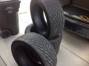 Four Toyo Proxes ST 305/40/22 Tires (no rims)