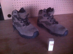 Brand New Earth Sprit boots