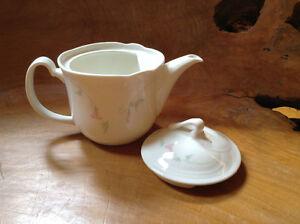 Royal Doulton Tea Pot Sarnia Sarnia Area image 3