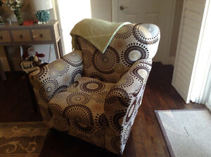 Chair, amazing condition