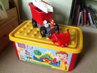 Mega Bloks First Builders Big Building Bloks 220 Piece Tub with fire rescue truck