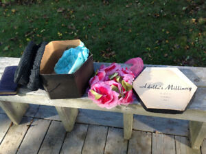 VINTAGE WOMENS HATS and Local hat box